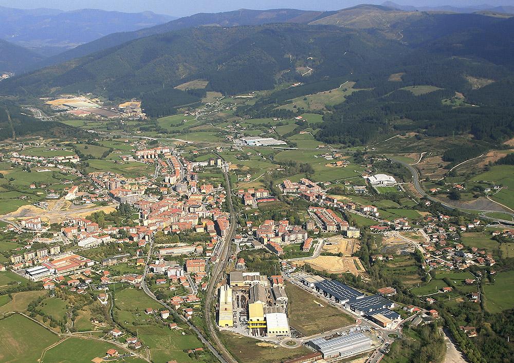 Vista aérea de la factoría de Amurrio Ferrocarril y Equipos, en la localidad del mismo nombre.