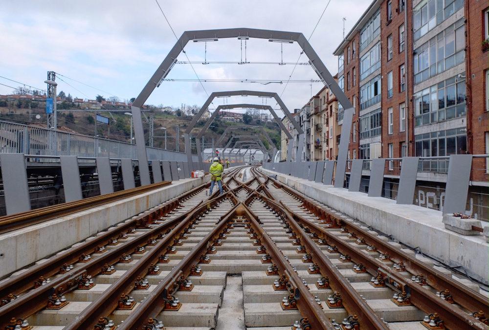 """Una doble diagonal de Amurrio en la nueva estación Loiola del """"Topo"""" de San Sebastián"""